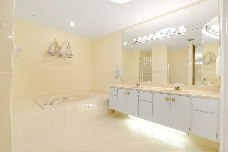 Additional photo for property listing at 369 River Edge Road 369 River Edge Road Jupiter, Florida 33477 United States