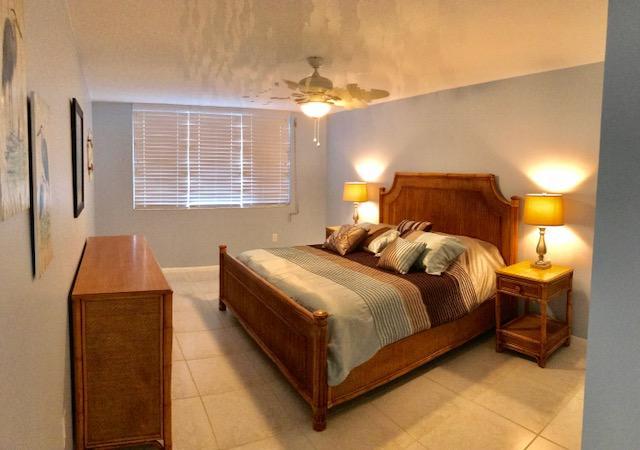 Additional photo for property listing at 110 Half Moon Circle 110 Half Moon Circle Hypoluxo, Florida 33462 États-Unis