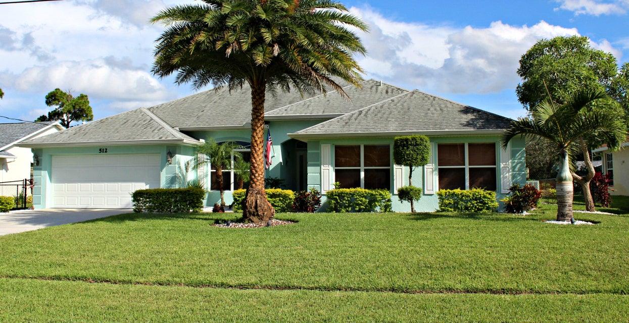 Casa para uma família para Venda às 512 SE Majestic Terrace 512 SE Majestic Terrace Port St. Lucie, Florida 34983 Estados Unidos