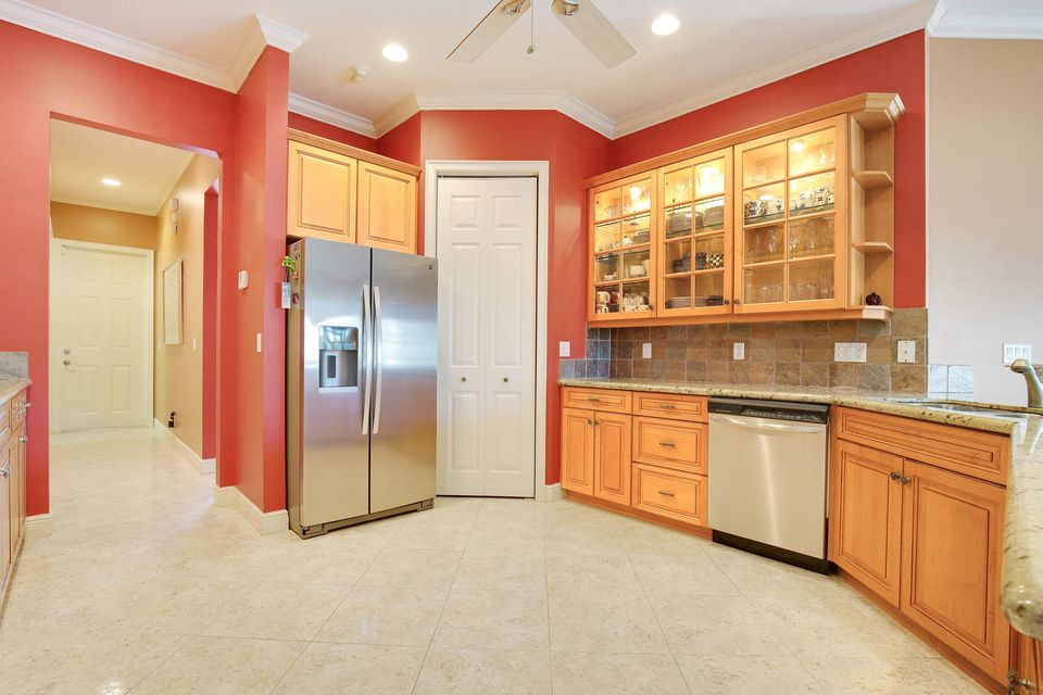 Additional photo for property listing at 619 Shore Road  North Palm Beach, Florida 33408 États-Unis