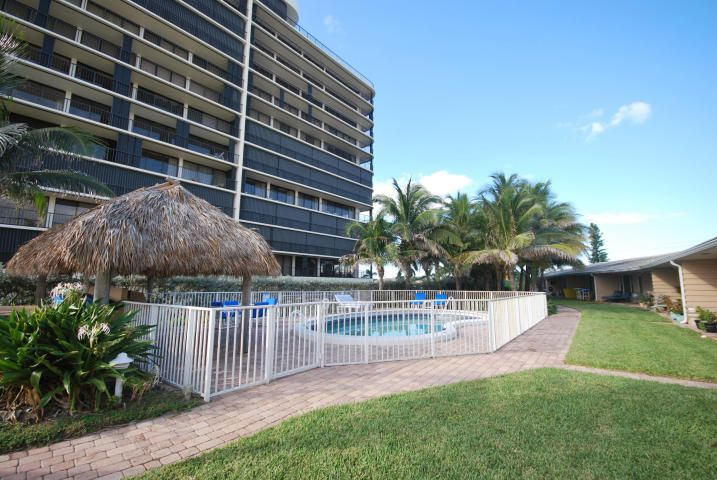 Additional photo for property listing at 2711 S Ocean Boulevard 2711 S Ocean Boulevard Highland Beach, Florida 33487 Estados Unidos