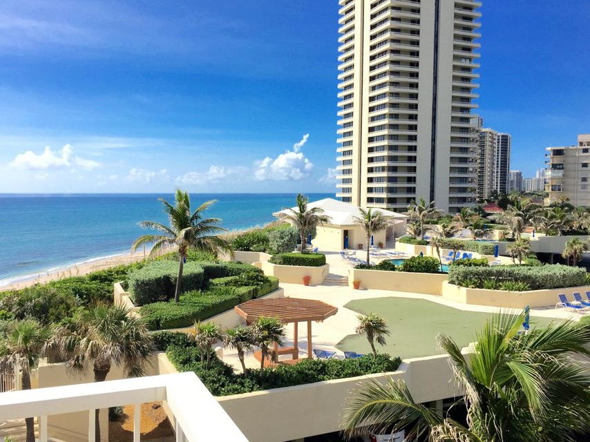 Additional photo for property listing at 5540 N Ocean Drive 5540 N Ocean Drive Singer Island, Florida 33404 Estados Unidos