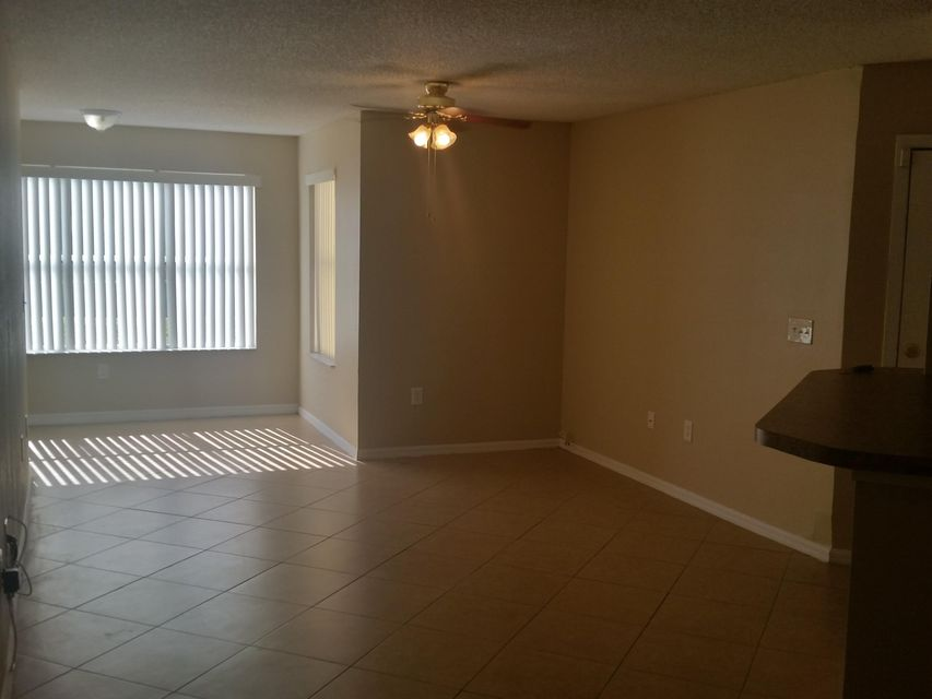 Additional photo for property listing at 1401 Village Boulevard 1401 Village Boulevard West Palm Beach, Florida 33409 États-Unis