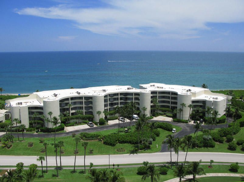 Condominium for Sale at 2001 SE Sailfish Point Boulevard # 309 2001 SE Sailfish Point Boulevard # 309 Stuart, Florida 34996 United States