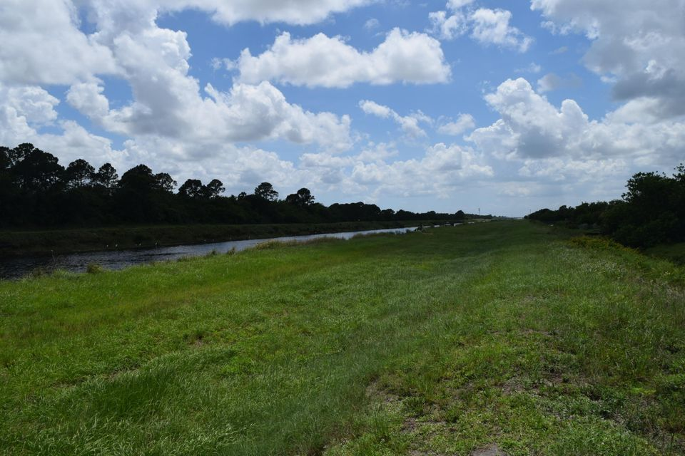 Additional photo for property listing at Tbd SW Abbot Avenue  Port St. Lucie, Florida 34953 Vereinigte Staaten