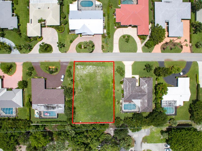 Additional photo for property listing at 4074 Southeast Fairway 4074 Southeast Fairway Stuart, Florida 34997 Estados Unidos