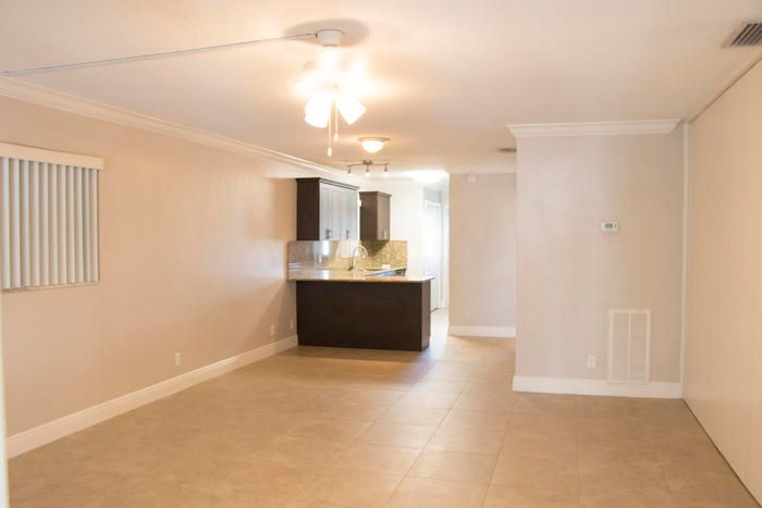 Additional photo for property listing at 1015 Spanish River Road 1015 Spanish River Road Boca Raton, Florida 33432 États-Unis