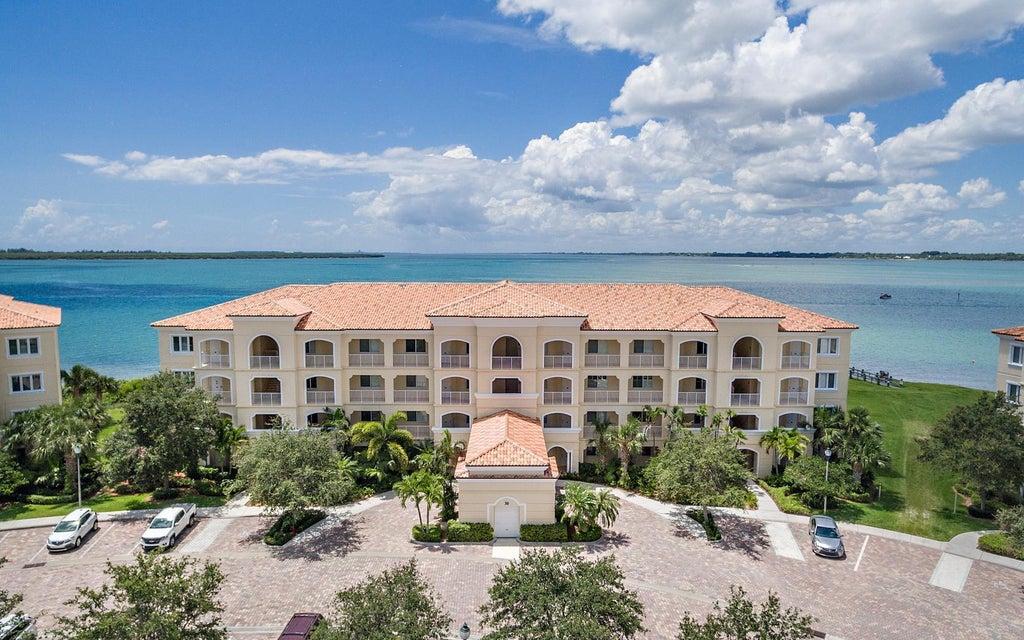 30 Harbour Isle Drive 304, Hutchinson Island, FL 34949