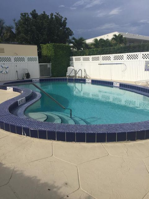 Additional photo for property listing at 117 Lehane Terrace  North Palm Beach, Florida 33408 Estados Unidos