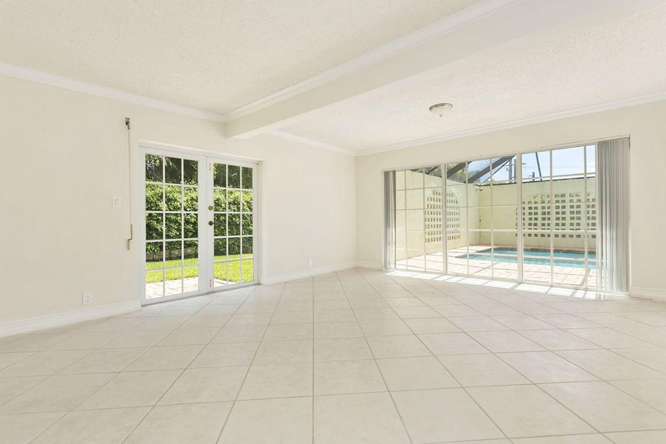 Additional photo for property listing at 931 SW 17th Street 931 SW 17th Street Boca Raton, Florida 33486 Estados Unidos
