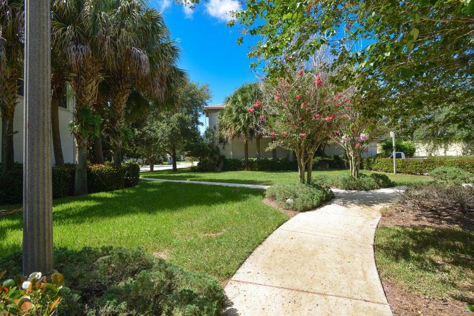 62 Stoney Drive Palm Beach Gardens Fl 33410 Rx 10347238 In Evergrene