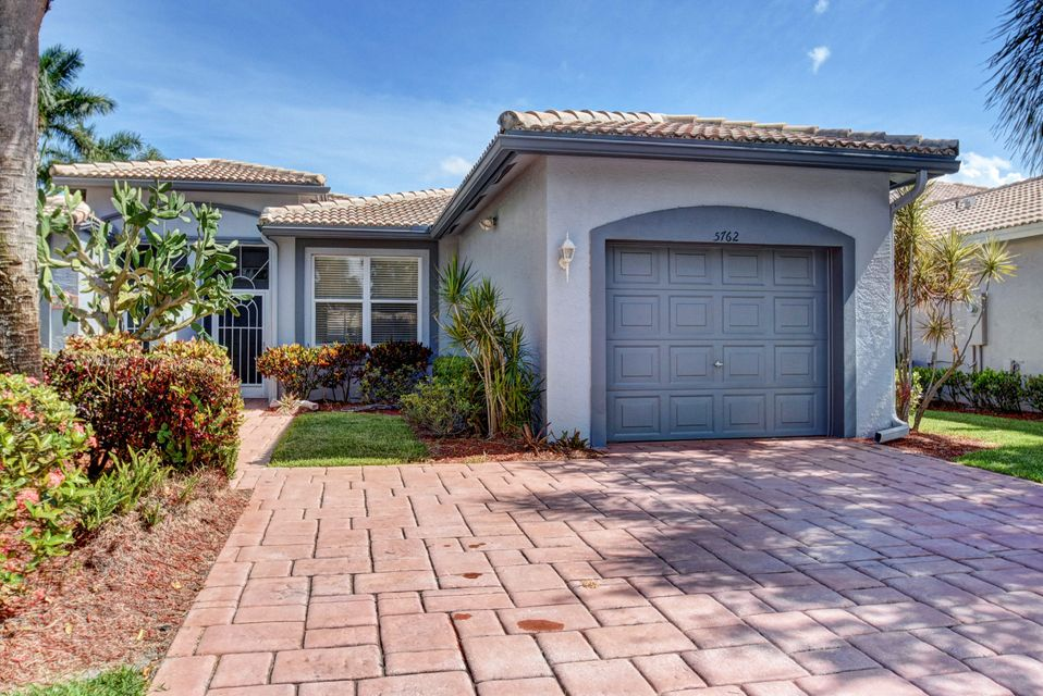 Villa por un Venta en 5762 Grand Harbour Circle Boynton Beach, Florida 33437 Estados Unidos