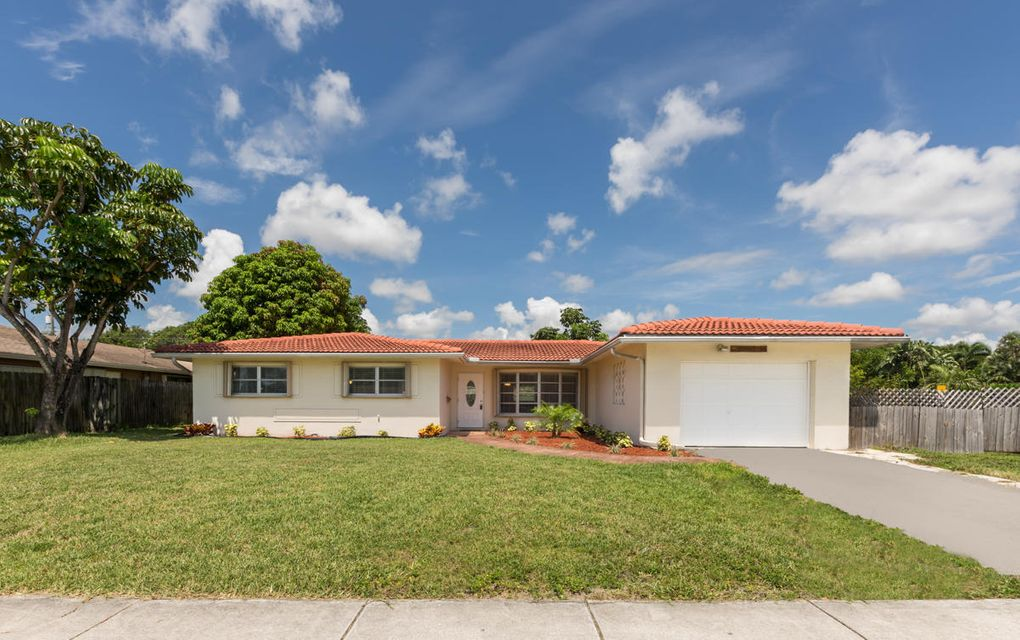 Additional photo for property listing at 699 NW 12th Avenue 699 NW 12th Avenue Boca Raton, Florida 33486 Vereinigte Staaten