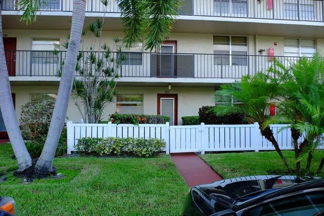 27 Abbey Lane 102, Delray Beach, FL 33446