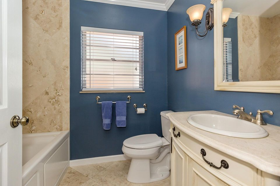 Additional photo for property listing at 1242 Northwest 10th Court 1242 Northwest 10th Court Boynton Beach, Florida 33426 Vereinigte Staaten