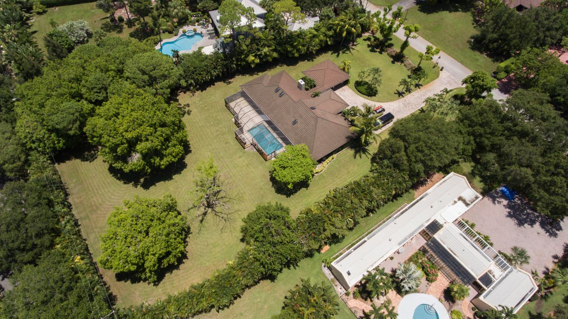 Additional photo for property listing at 2320 Greenbriar Drive 2320 Greenbriar Drive Delray Beach, Florida 33445 United States