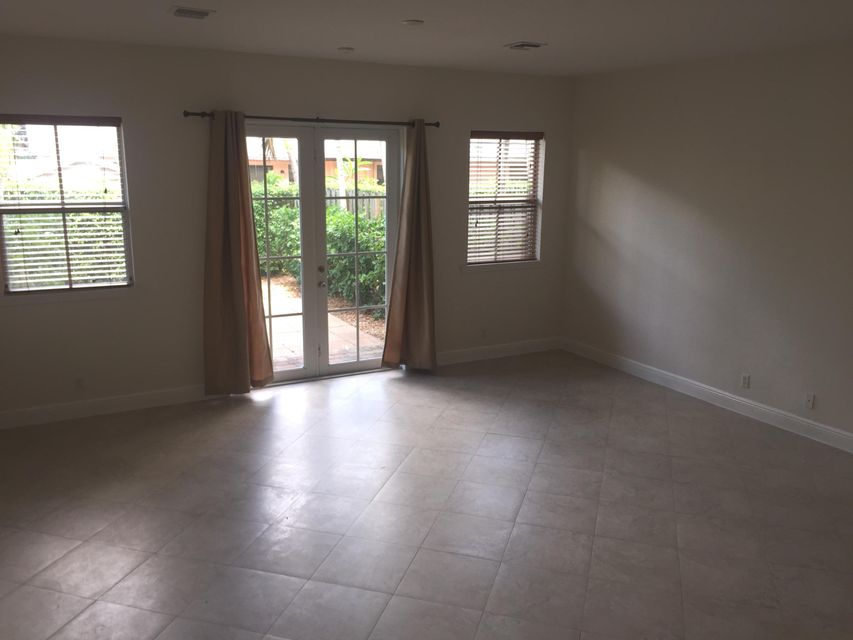 Additional photo for property listing at 1109 NE 14th Avenue 1109 NE 14th Avenue Fort Lauderdale, Florida 33304 Estados Unidos