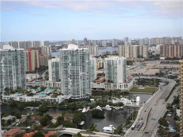 Additional photo for property listing at 16001 Collins Avenue 16001 Collins Avenue Sunny Isles Beach, Florida 33160 États-Unis