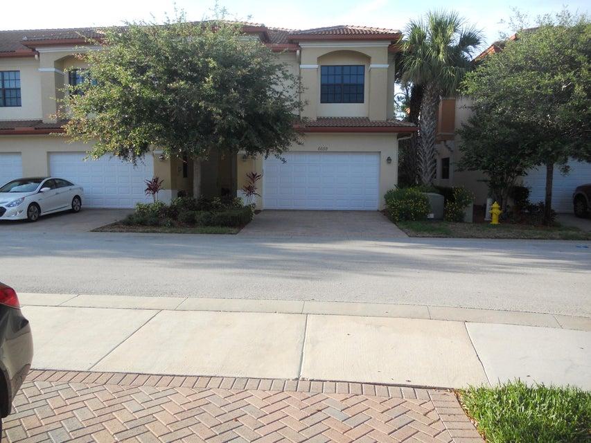 Townhouse for Sale at 6659 SE Woodmill Pond Lane Stuart, Florida 34997 United States