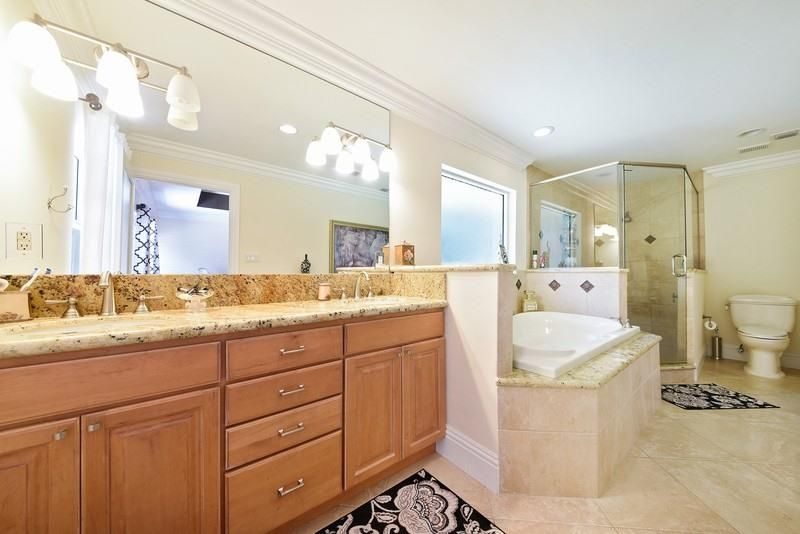 Additional photo for property listing at 2320 Greenbriar Drive 2320 Greenbriar Drive Delray Beach, Florida 33445 Estados Unidos