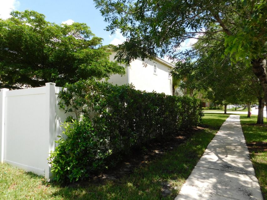3189 Hamblin Way Wellington, FL 33414 small photo 8