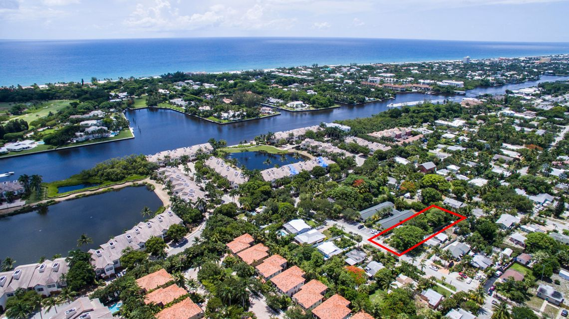 826 N Lake Avenue, Delray Beach, FL 33444