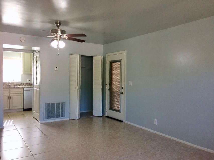 Additional photo for property listing at 445 Lake Frances Drive  West Palm Beach, Florida 33411 United States