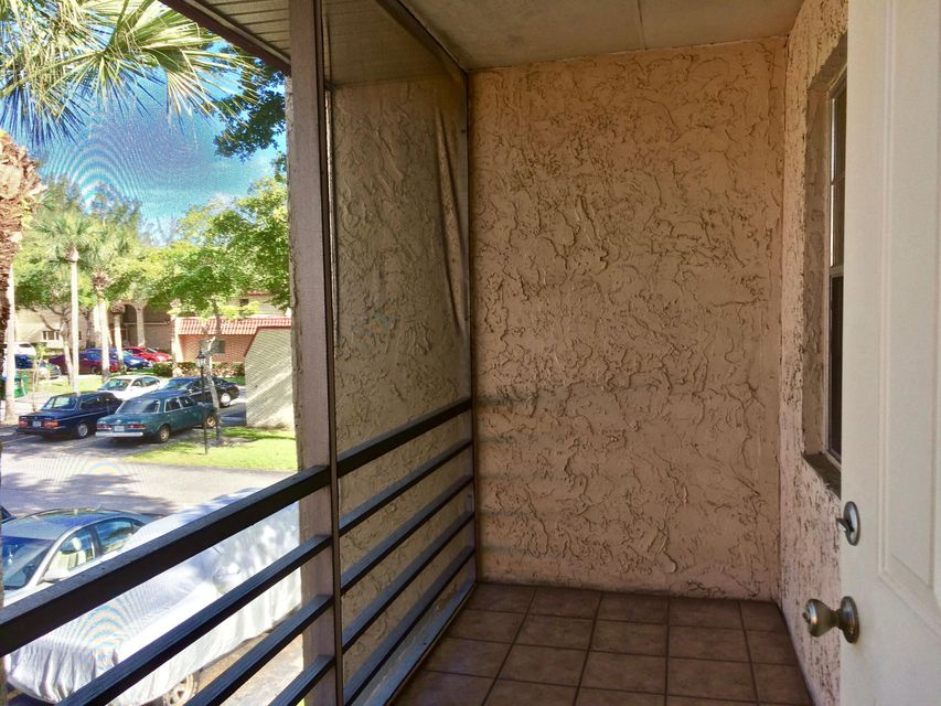 Additional photo for property listing at 445 Lake Frances Drive  West Palm Beach, Florida 33411 Estados Unidos