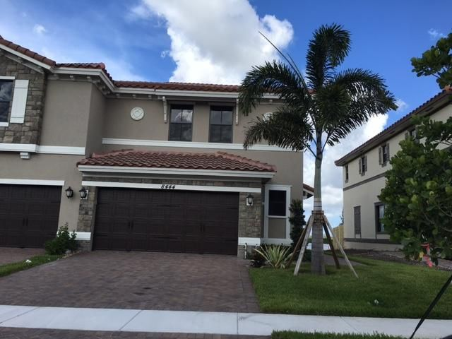 Casa unifamiliar adosada (Townhouse) por un Alquiler en 8444 Lake Majesty Lane Parkland, Florida 33076 Estados Unidos