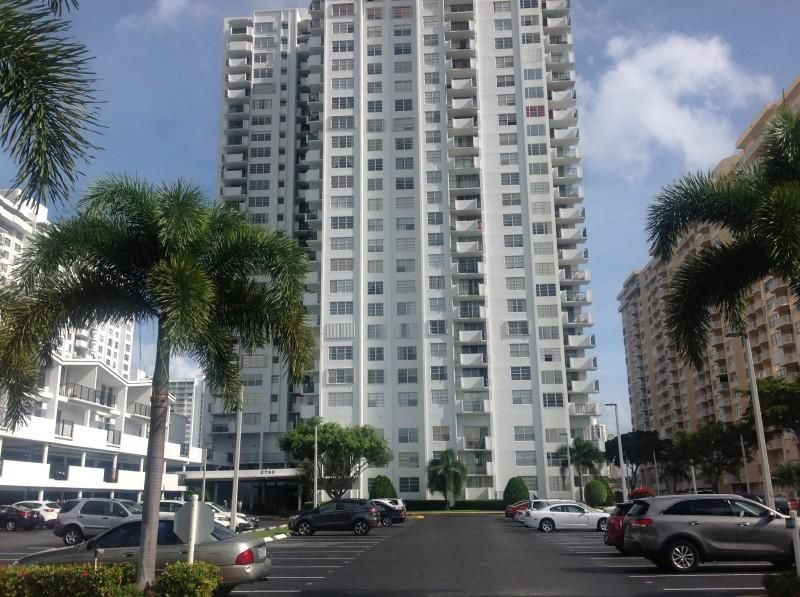 2750 NE 183rd Street 2306 , Aventura FL 33160 is listed for sale as MLS Listing RX-10347427 20 photos