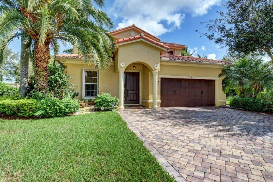 Home for sale in Oakmont Estates Pud Wellington Florida
