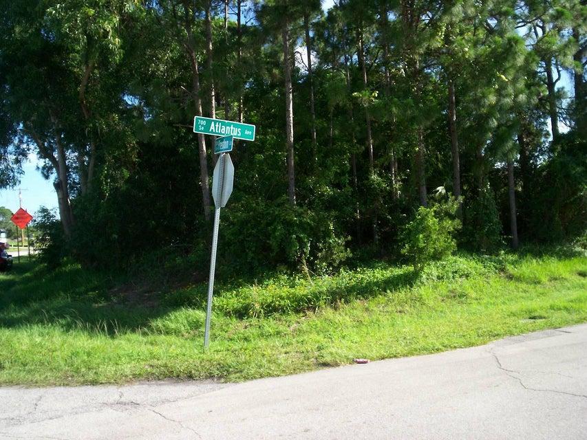 Land für Verkauf beim 1349 SE Preston Lane 1349 SE Preston Lane Port St. Lucie, Florida 34983 Vereinigte Staaten