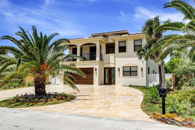 169 SE Wavecrest Way  Boca Raton FL 33432