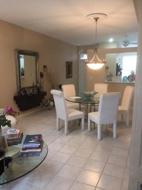 Additional photo for property listing at 10836 Royal Caribbean Circle 10836 Royal Caribbean Circle Boynton Beach, Florida 33437 Vereinigte Staaten