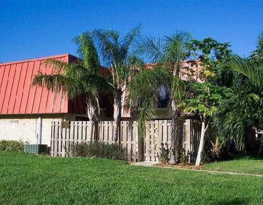 3239 Gardens East B , Palm Beach Gardens FL 33410 is listed for sale as MLS Listing RX-10347658 4 photos