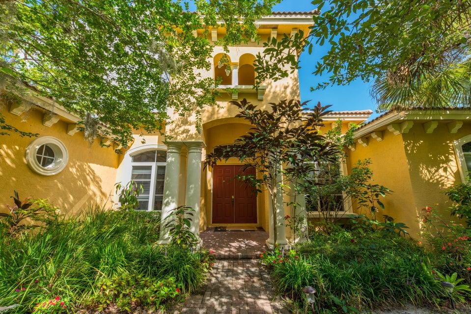 واحد منزل الأسرة للـ Sale في 8220 SW Cattleya Drive 8220 SW Cattleya Drive Stuart, Florida 34997 United States