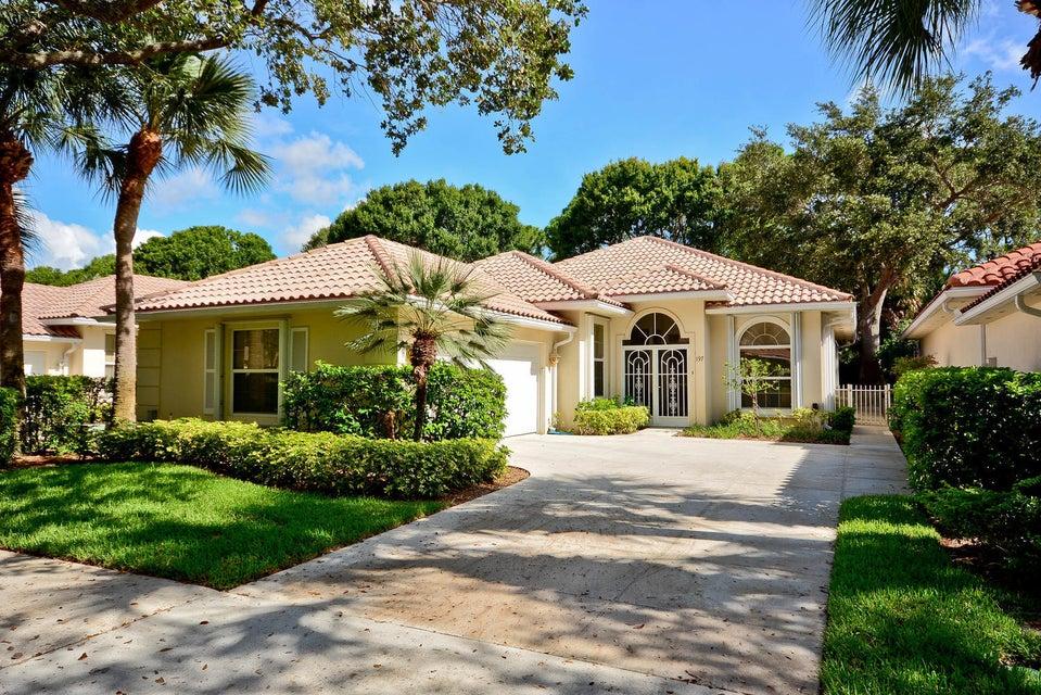 197 E Tall Oaks Circle , Palm Beach Gardens FL 33410 is listed for sale as MLS Listing RX-10345906 32 photos