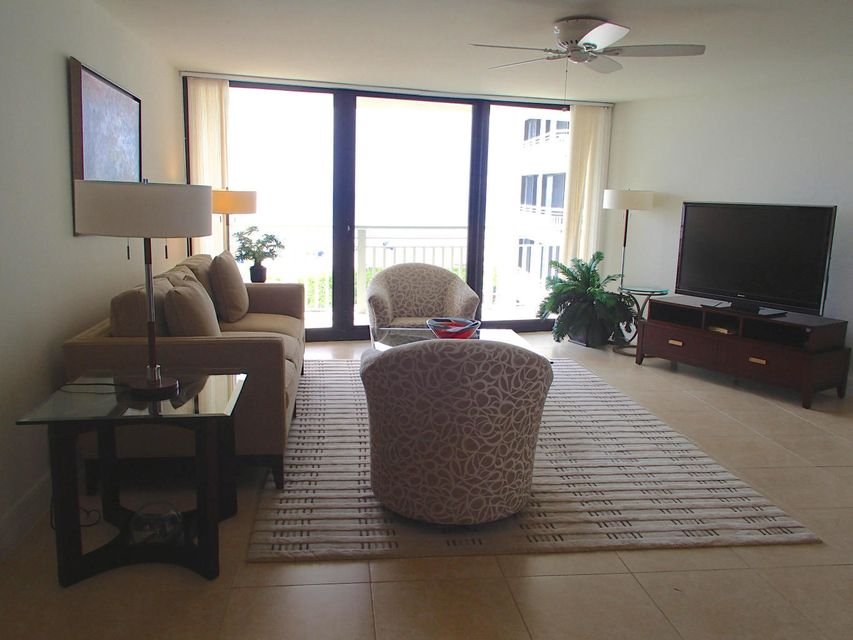 Additional photo for property listing at 3000 North Ocean Drive 3000 North Ocean Drive Singer Island, Florida 33404 Estados Unidos