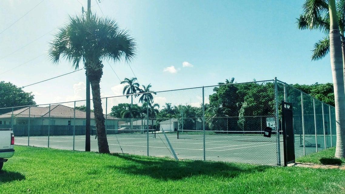 Th Court North West Palm Beach Fl