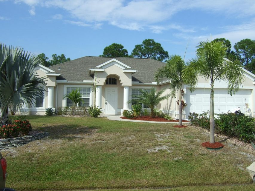 Additional photo for property listing at 1629 SW Fortune Road 1629 SW Fortune Road Port St. Lucie, Florida 34953 United States