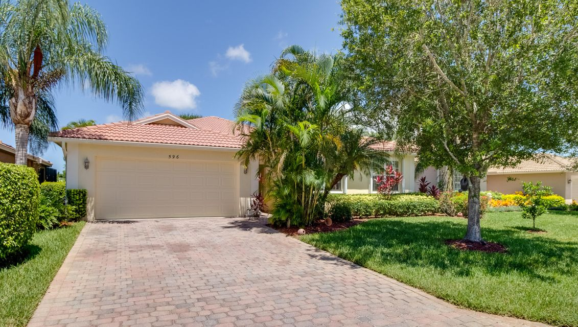 596 Waverly Circle, Port Saint Lucie, FL 34983