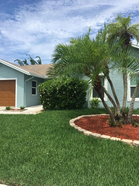 902 NW 10th Court, Boynton Beach, FL 33426