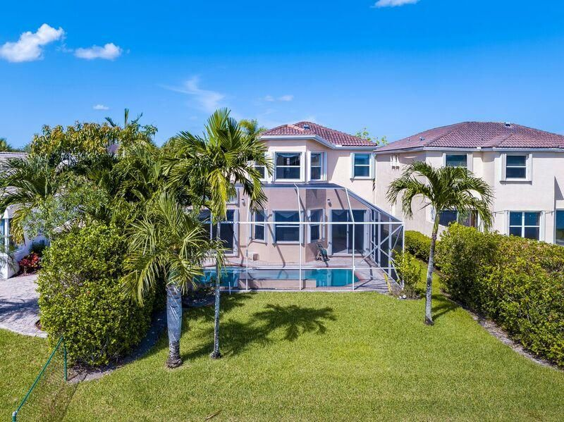 1348 NW 157 Avenue, Pembroke Pines, FL 33028