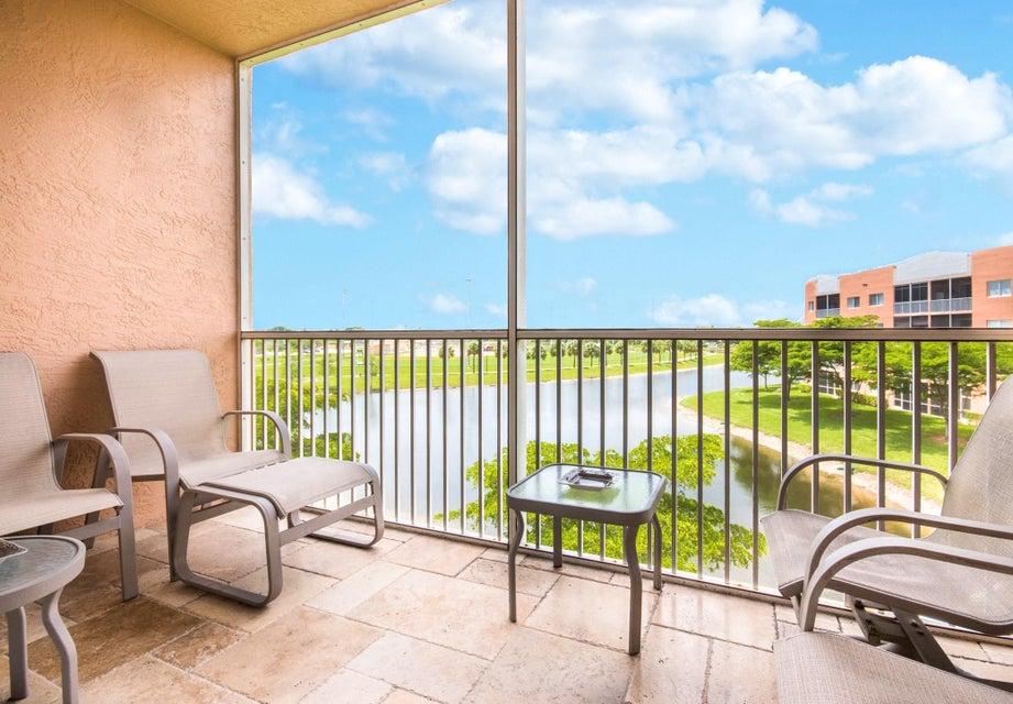 Co-op / Condo for Sale at 7725 Yardley Drive Tamarac, Florida 33321 United States