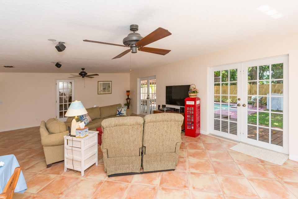 Additional photo for property listing at 15 NW 17th Street 15 NW 17th Street Delray Beach, Florida 33444 Estados Unidos