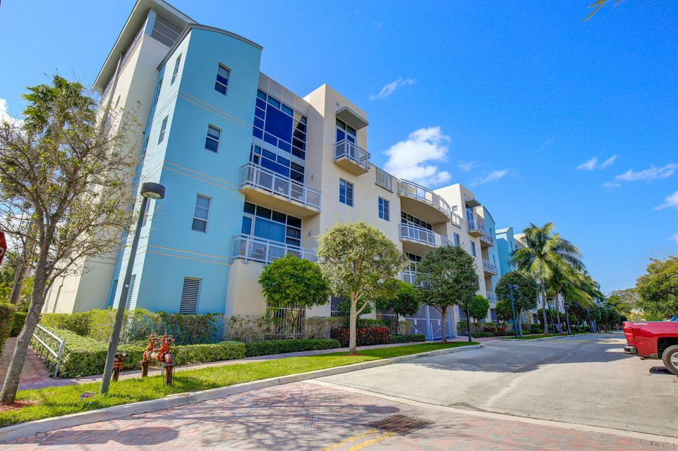 Additional photo for property listing at 365 SE 6th Avenue 365 SE 6th Avenue 德尔雷比奇海滩, 佛罗里达州 33483 美国