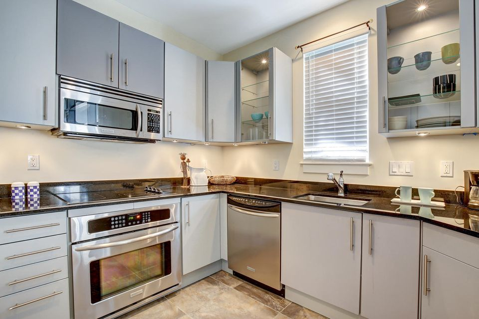 Additional photo for property listing at 365 SE 6th Avenue 365 SE 6th Avenue Delray Beach, Florida 33483 United States