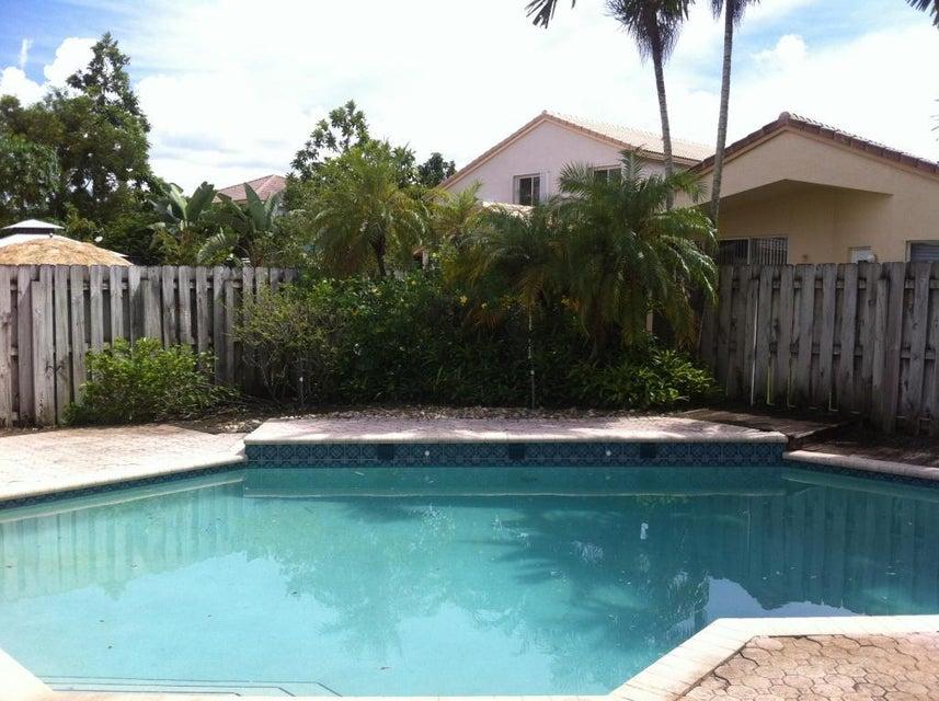 17064 NW 12th St, Pembroke Pines, FL 33028