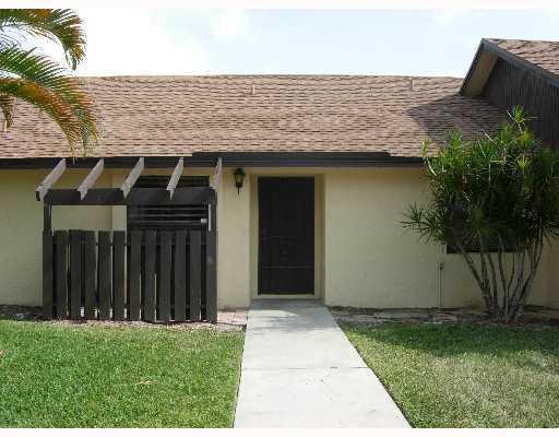 101 Via De Casas Norte 101, Boynton Beach, FL 33426