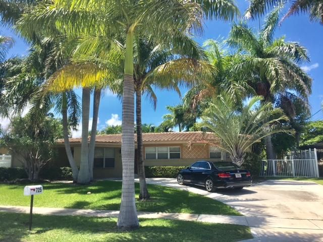 725 NE 71st Street, Boca Raton, FL 33431